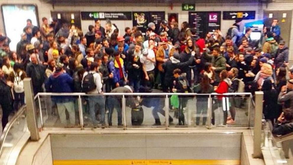 Dispositivo especial policial para evitar más fiestas 'rave' en el metro de Barcelona