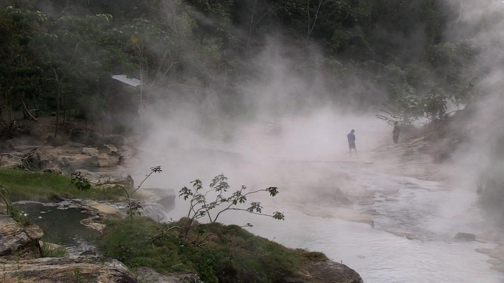 El río peruano que hierve a los animales