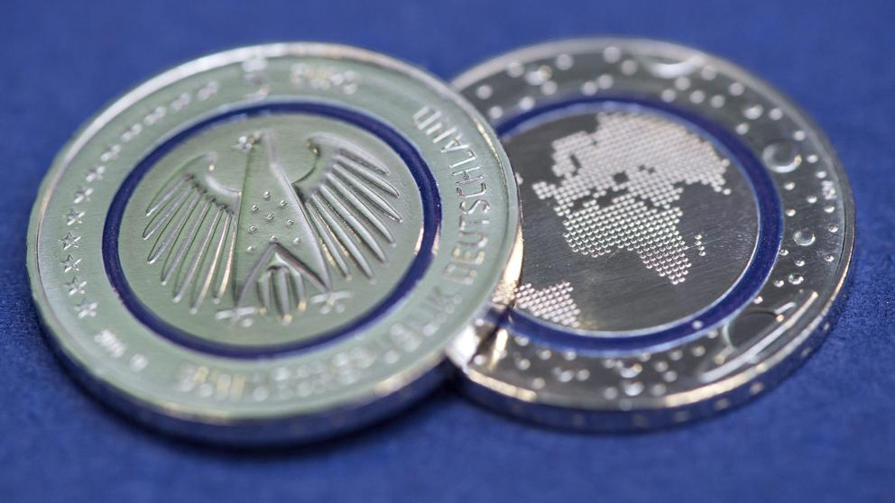 """Planeta Azul"", la nueva moneda de cinco euros de la eurozona"