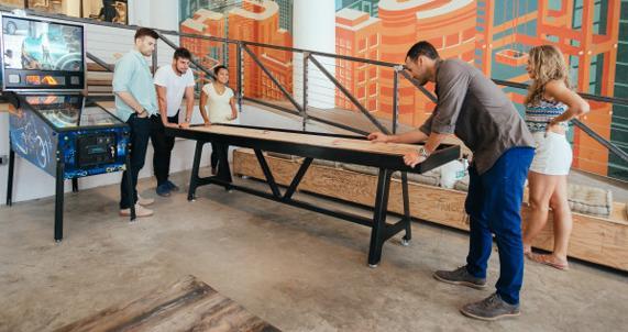Lugares donde las personas pueden focalizarse en el trabajo mientras se sumergen en un ambiente creativo