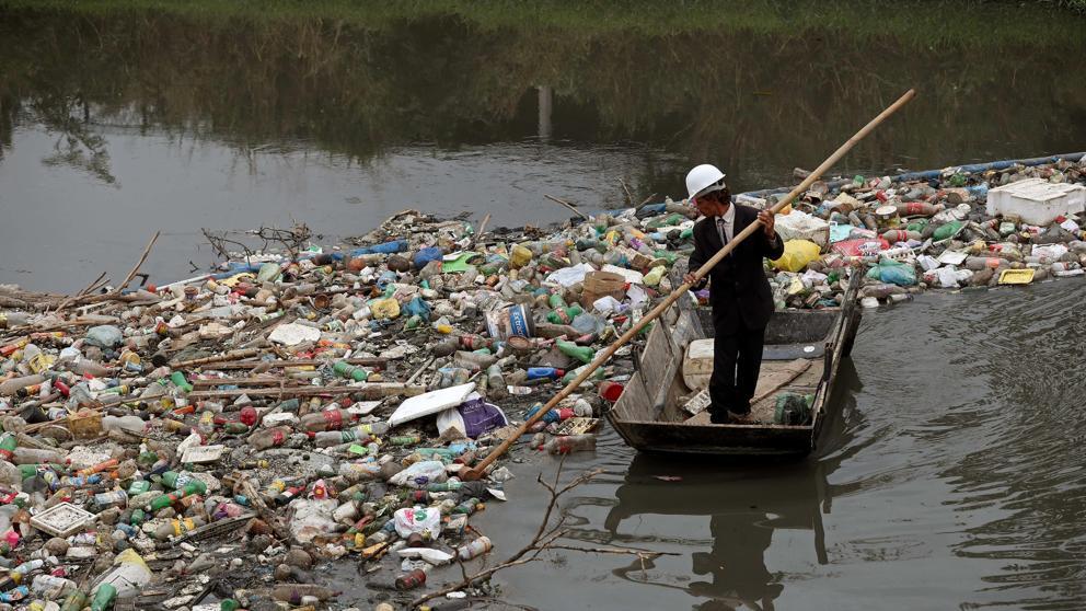 Aparece un cadáver en el mar olímpico de Río, a pocos días para los Juegos