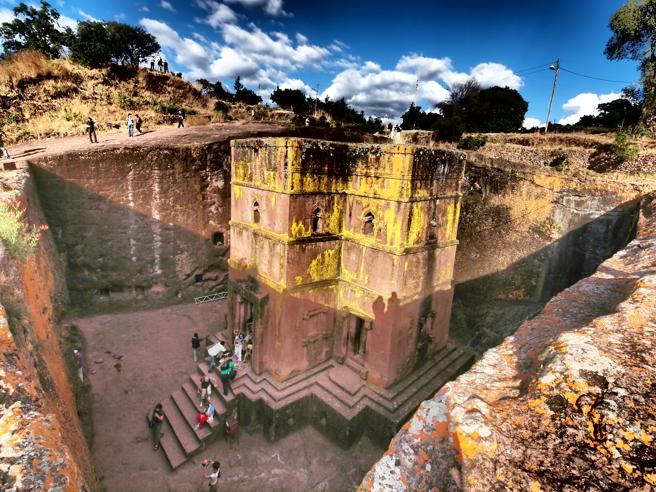 La casa de San Jorge en Lalibela, Etiopía, tallada en la roca hace más de 900 años
