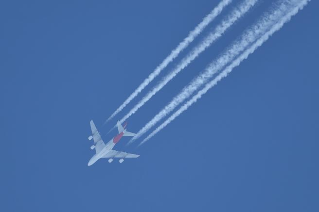 El impacto de la aviación civil en el cambio climático ha sido analizado en diversos estudios