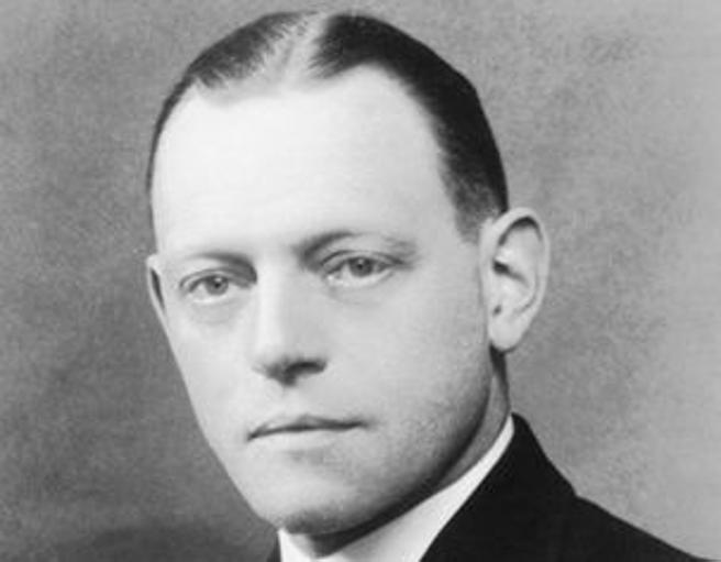 El agente secreto británico Oswald Rayner