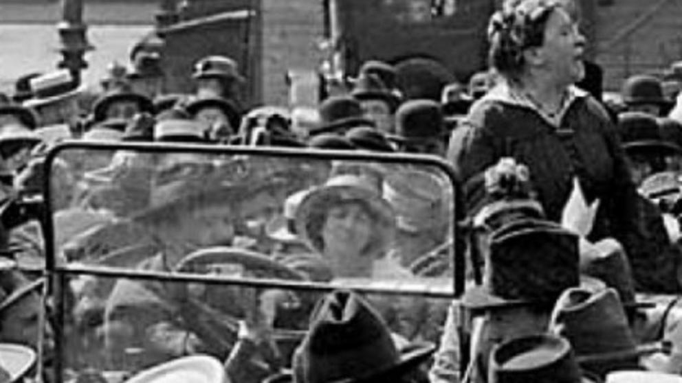 Emma Goldman durante un mitin político celebrado en 1916 en la Union Square de Nueva York (Propias)