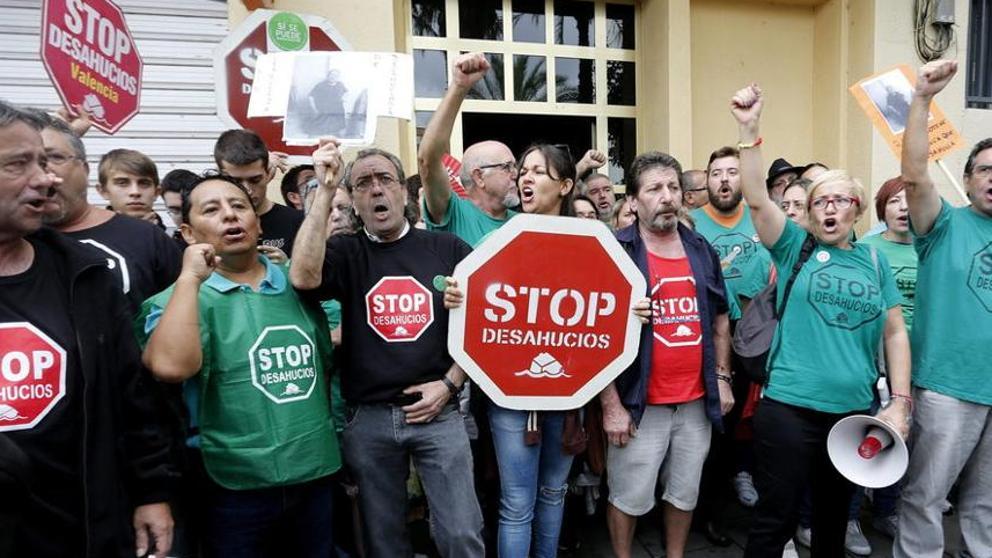 Bruselas lleva a España a la justicia por no aplicar la normativa hipotecaria europea