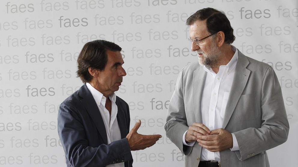 """Aznar pide a Rajoy que """"actúe"""" y """"si no encuentra animo para hacerlo"""", convoque elecciones"""