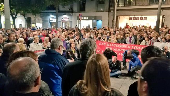 Concentración en Mataró tras la jornada de huelga general este miércoles