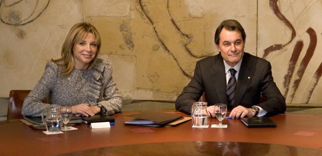 Artur Mas con Joana Ortega durante su primera reunión con sus consellers como president