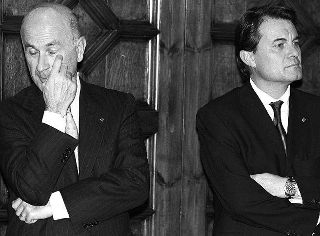 Duran i Lleida y Artur Mas en 2001 durante la toma de posesión del segundo como conseller en cap