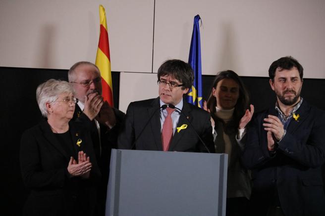 Puigdemont sigue tratando de influir entre los medios de comunicación europeos desde Bruselas