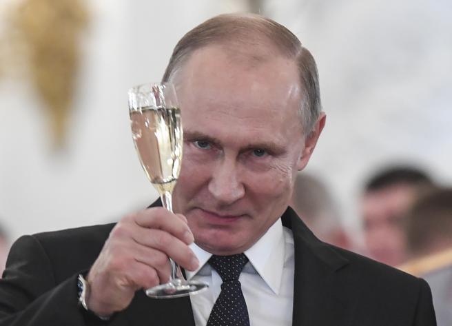 El informe cree que las agencias rusas RT y Sputnik ayudaron en la campaña de desinformación