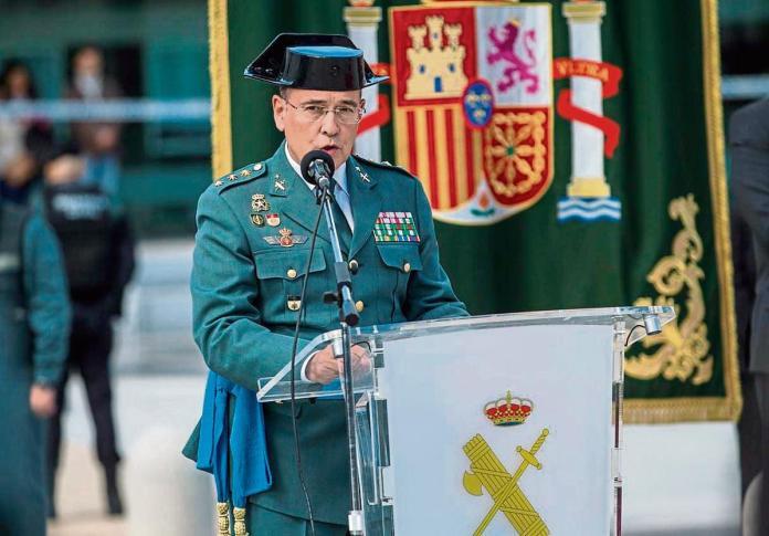 De los Cobos... El coronel, Diego Pérez de los Cobos, que coordinó el operativo policial el 1 de octubre asumió ayer oficialmente su nuevos destino, la dirección de la comandancia de Madrid