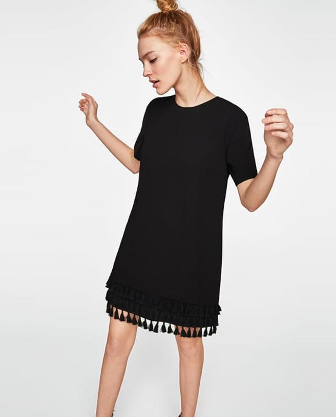 Vestido con pompones de Zara (29.95 euros)