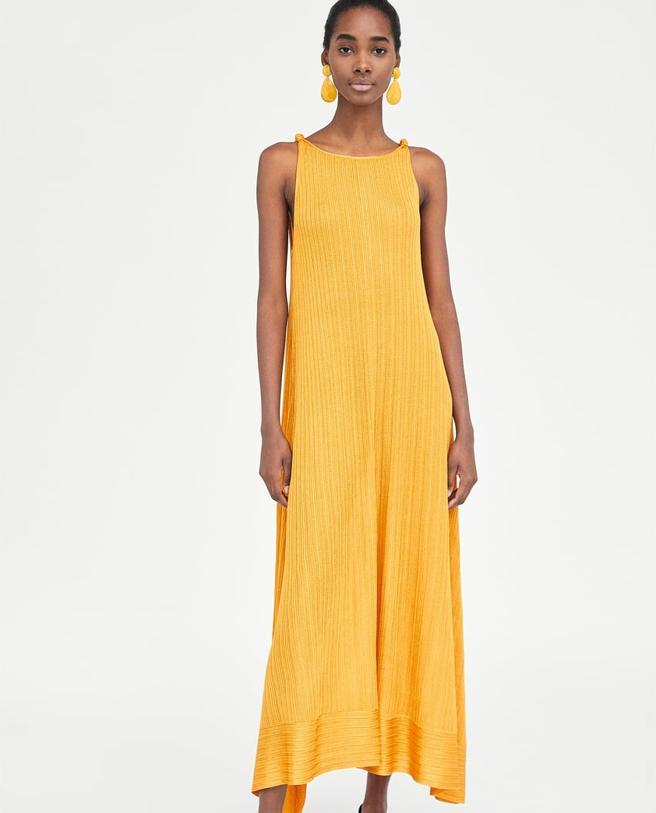 Vestido largo con nudos de Zara (39.95 euros)