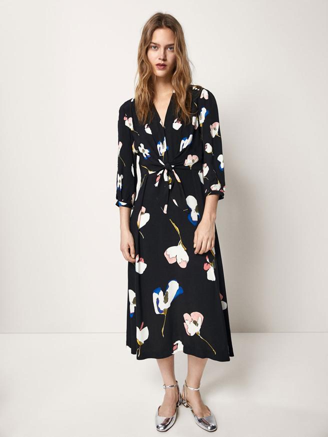 Vestido con estampado de flores de Massimo Dutti (89.95 euros)
