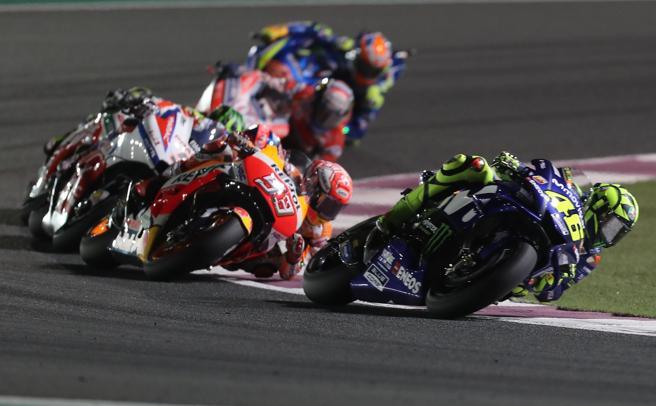 Rossi, seguido de Márquez