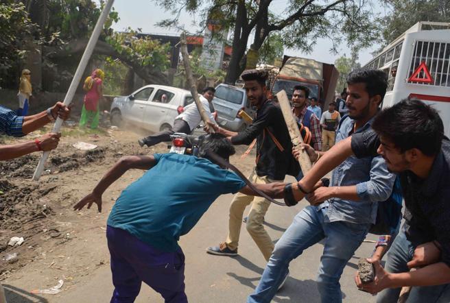 Se han producido enfrentamientos violentos en las manifestaciones que se han celebrado a lo largo del país