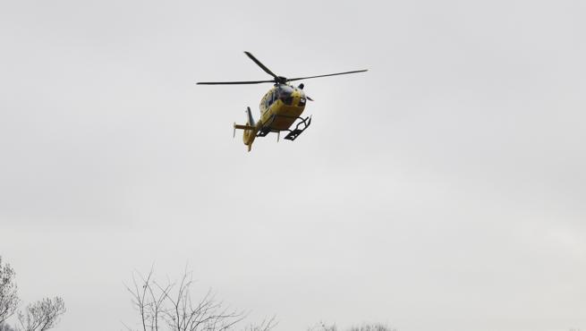 El helicóptero después del rescate del cuerpo de la mujer