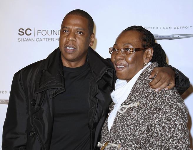 El cantante Jay Z' y su madre Gloria Carter en uan foto de archivo.