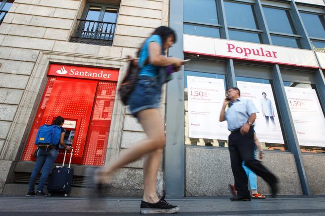 Oficinas del Popular y el Santander, en Madrid