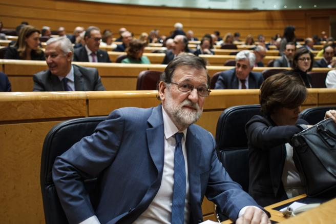 El presidente en el Senado el día que invitó a las camareras de piso a Moncloa