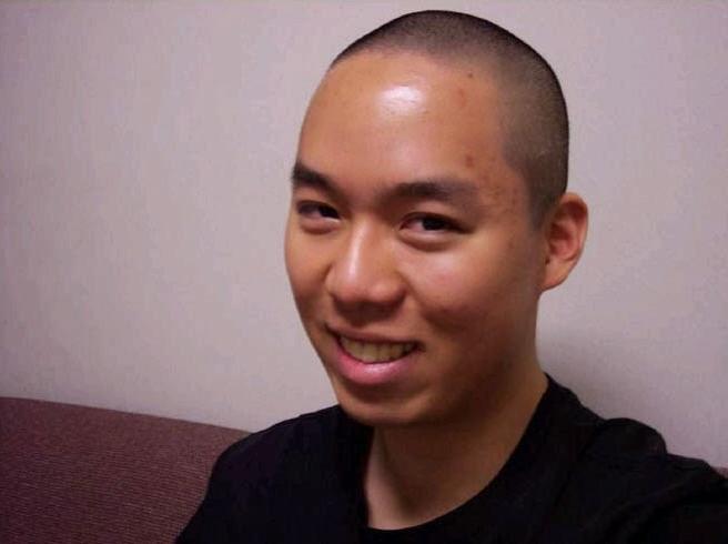 Cho Seung-Hui en un vídeo antes de la masacre de Virginia Tech de 2007