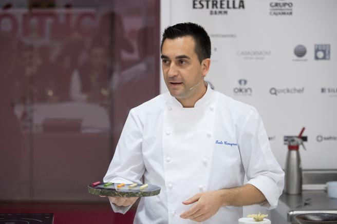 El cocinero Paolo Casagrande ayer en uno de los talleres de alta cocina organizados en el marco de Alimentaria