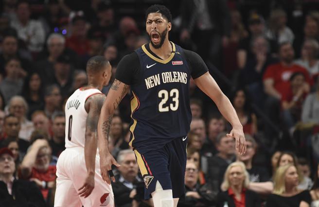 Anthony Davis fue el gran dominador del primer partido de la serie entre Blazers y Pelicans, anotando 35 puntos y capturando 14 rebotes