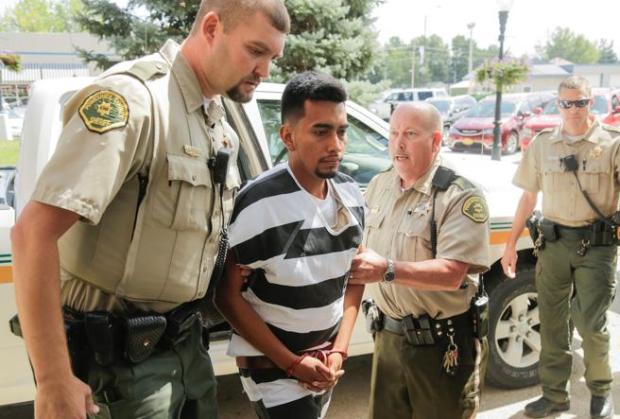 Cristhian Rivera a su llegada a los juzgados de Montezuma, Iowa