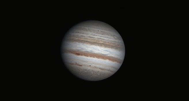 Según los cálculos del científico de Harvard en estos momentos puede haber un ovni volando por el planeta Júpiter