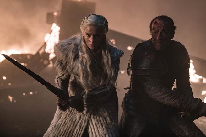 Emilia Clarke y Iain Glen como Daenerys y Jorah Mormont.