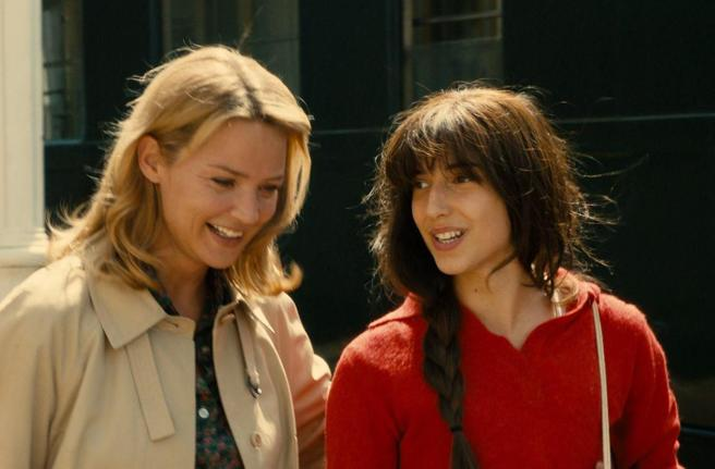 Efira with her daughter in fiction