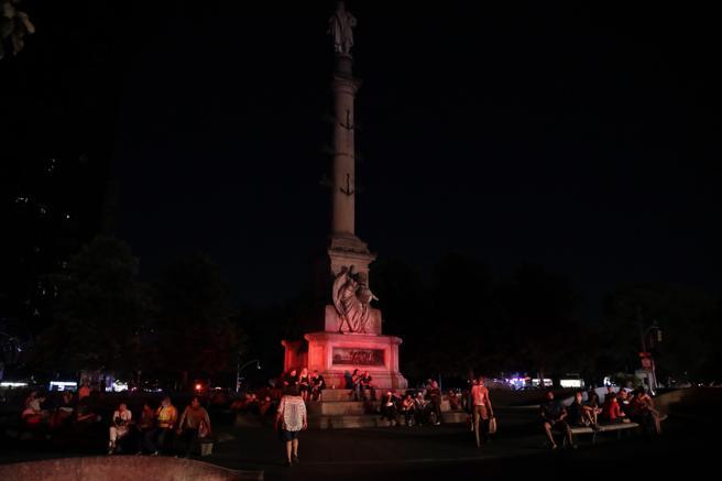 El Columbus Circle de Manhattan también se vio sumido en la oscuridad