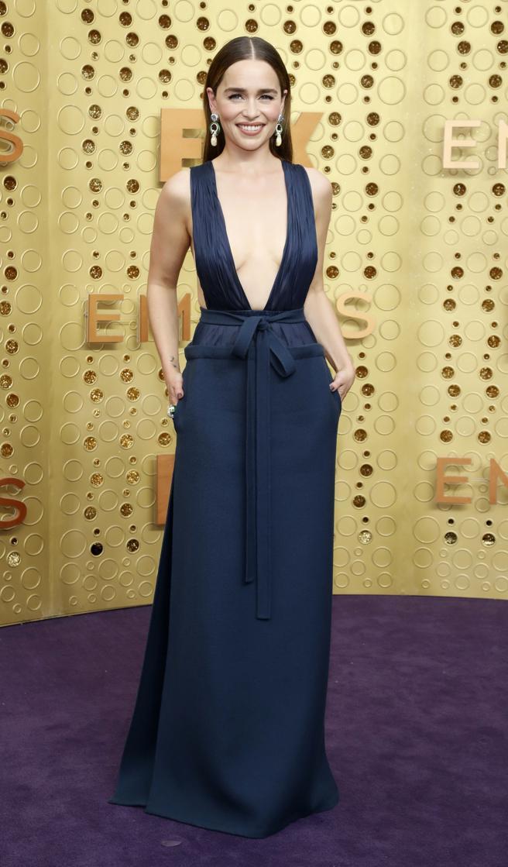 Emilia Clarke en la alfombra roja de los premios Emmy 2019. REUTERS/Mario Anzuoni