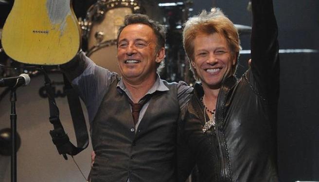 Bruce Springsteen and Bon Jovi, coinciding in such a scenario, in a file image
