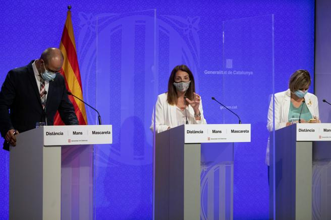 Councilors Meritxell Budó, Alba Vergés and Miquel Buch announcing on Friday the decision of the Government to extend the restrictions on the increase in contagions to the city of Barcelona and its metropolitan area