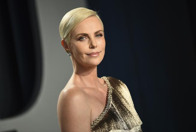 Charlize Theron on the feast of 'Vanity Fair' at the Oscars in 2020
