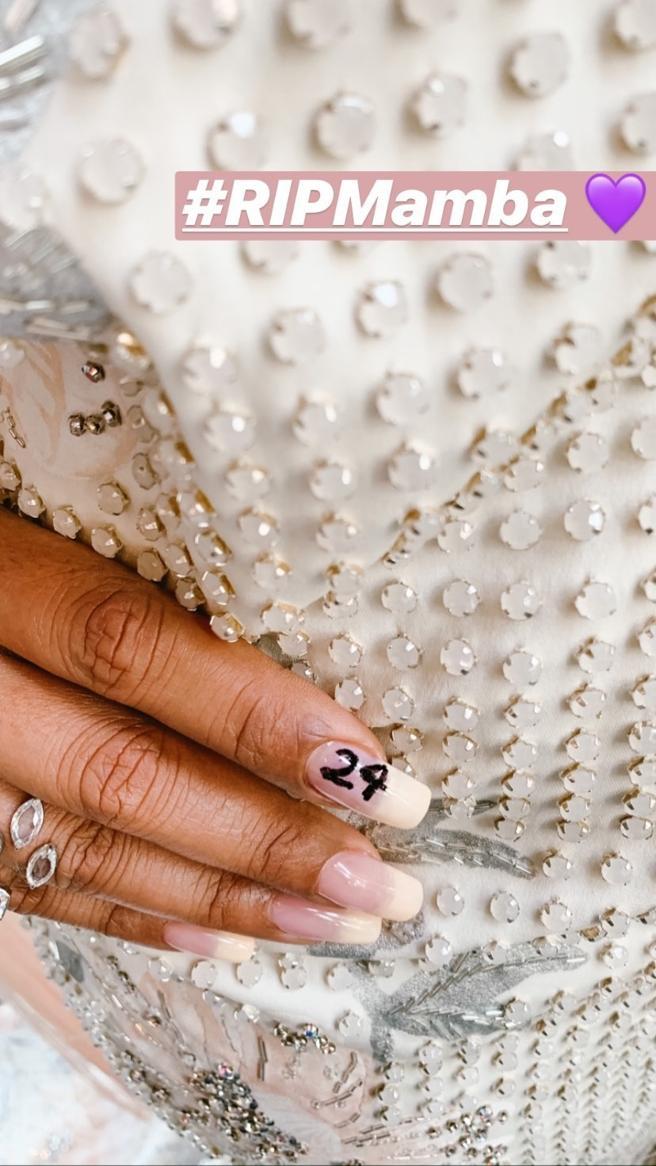 Manicure of Priyanka Chopra in honor of Kobe Bryant