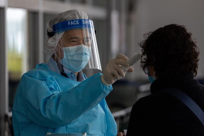 La temperatura alta es uno de los primeros síntomas del coronavirus