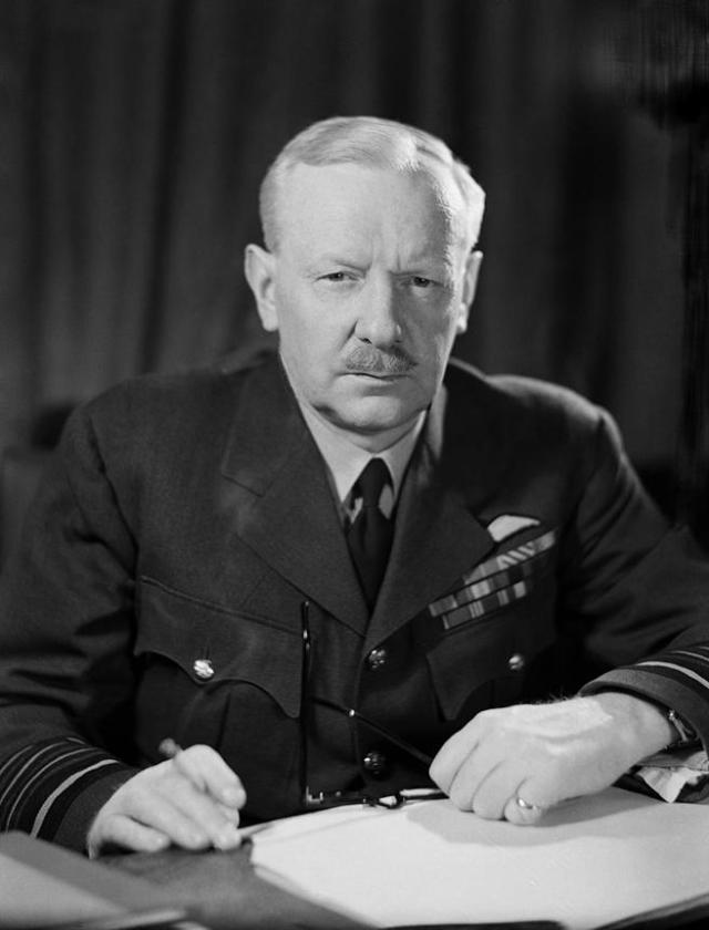 El mariscal Arthur Harris, jefe del Comando de Bombarderos de la RAF.