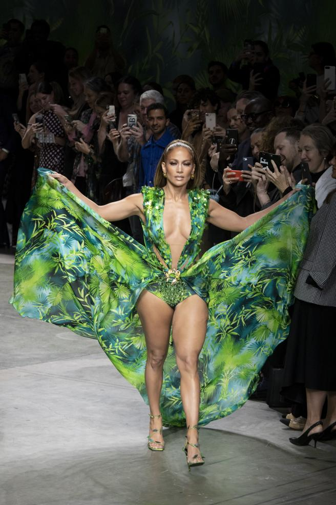 Jennifer Lopez with the most daring dress at the Versace in Milan last September