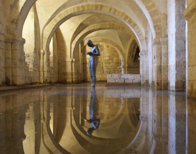 La cripta de la catedral de Winchester sufre frecuentes inundaciones.