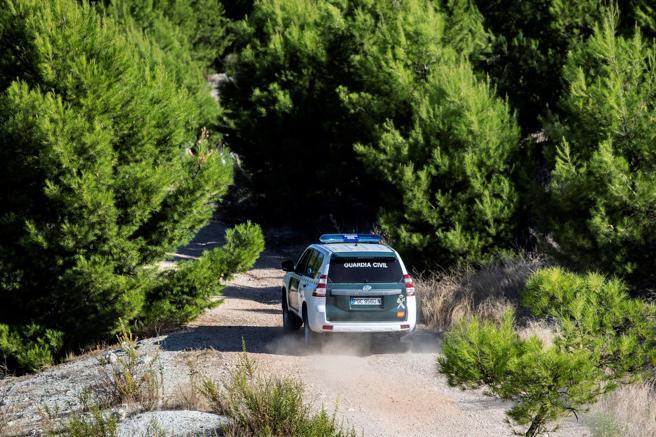 Los equipos de búsqueda de la Guardia Civil se desplegaron por la zona de monte