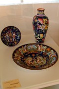 Faenza ceramics with flowers and Raphaelite decor