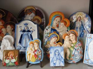 Madonne in ceramica dipinte a mano