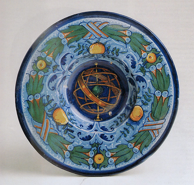 piatto in maiolica decorato in stile Berrettino, Faenza, 1530