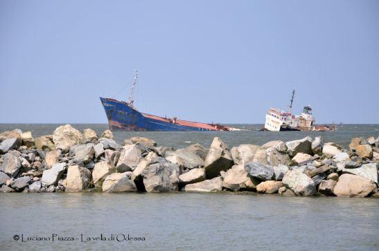 Un cargo affondato all'ingresso del Danubio