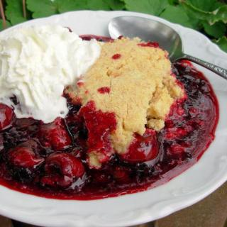 Jumbleberry Crumble with Shortbread Topping