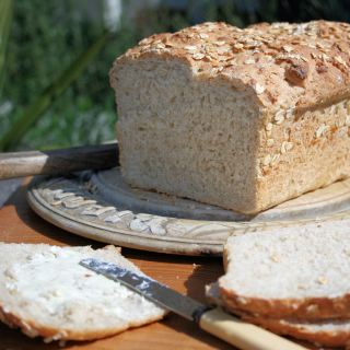Celebrating British Bread Week with Farmhouse Oatmeal Bread for Toast, Soup & Sandwiches